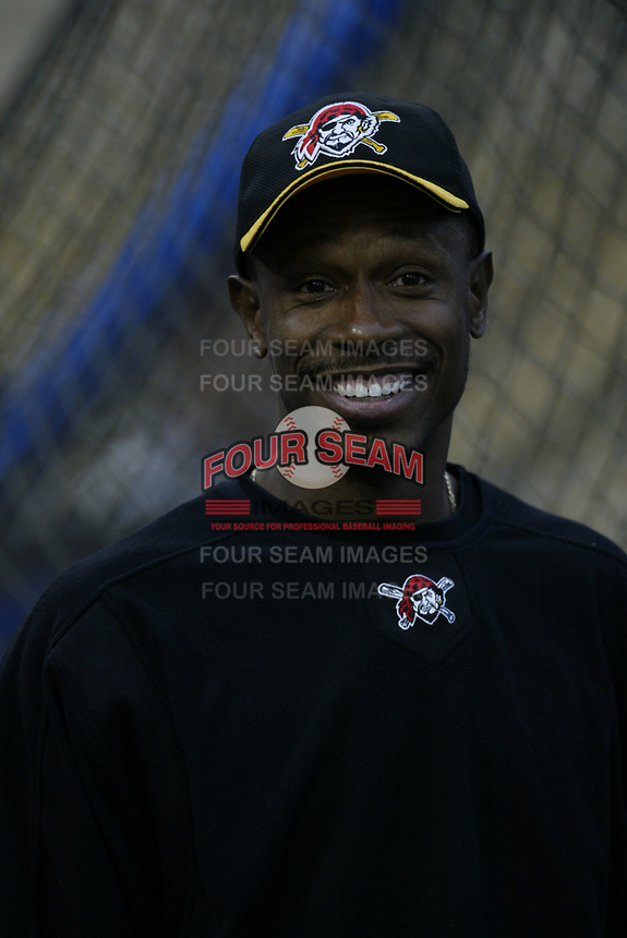 Kenny Lofton of the Pittsburgh Pirates during a 2003 season MLB game at Dodger Stadium in Los Angeles, California. (Larry Goren/Four Seam Images)