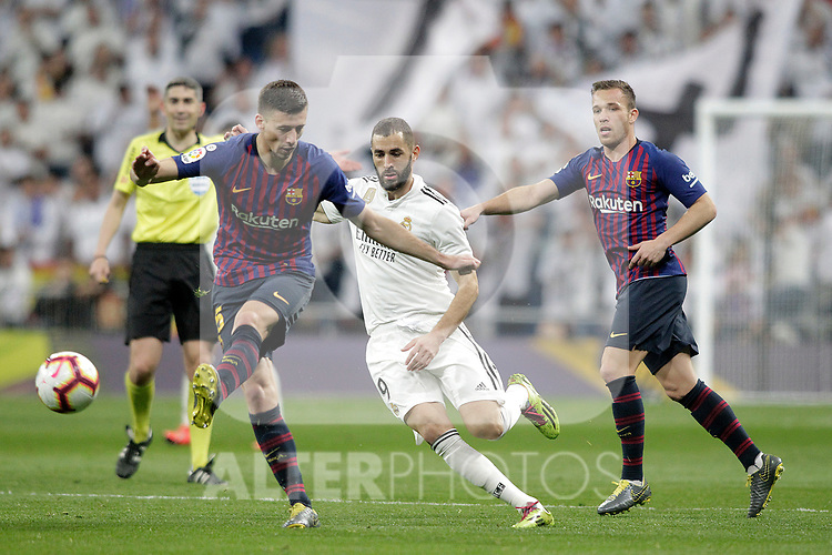 Real Madrid CF's  Karim Benzema and FC Barcelona's Sergio Busquets, Arthur Melo during La Liga match. March 02,2019. (ALTERPHOTOS/Alconada)