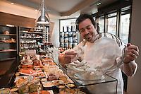 Europe/France/Rhône-Alpes/74/Haute-Savoie/Saint-Gervais-les-Bains : Boutique : Le Sérac- Gourmet de Raphaël Le Mancq  , Epicerie fine et traiteur