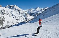 Europe/France/73/Savoie/Val d'Isère:les pistes  au sommet du telecabine de la Daille 2290m