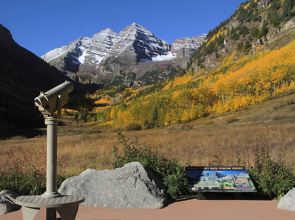 This telescope act like the park bench. It make the scene accessible and inviting to the viewer. Year round tours in Boulder Colorado.