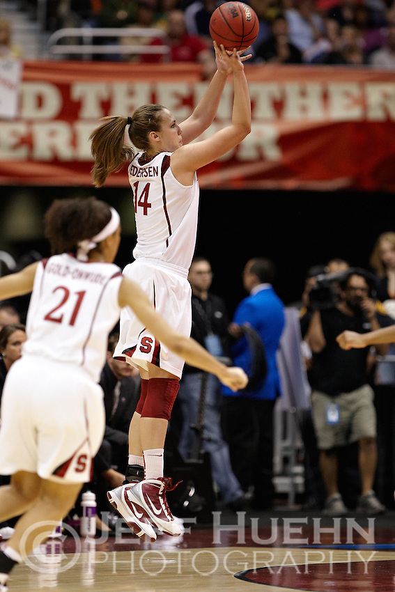 SAN ANTONIO, TX - APRIL 4, 2010: The 2010 NCAA Women's Final Four Semi-Final Number One featuring the Oklahoma University Sooners vs. the Stanford University Cardinal at the Alamodome. (Photo by Jeff Huehn)