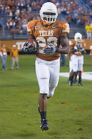 04 November 2006: Texas back Selvin Young warms up before the Longhorns 36-10 victory over the Oklahoma State University Cowboys at Darrel K Royal Memorial Stadium in Austin, Texas.