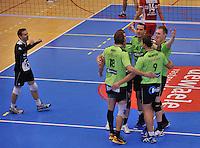 Volley Team Menen - Hotvolleys Wenen : vreugde bij Menen<br /> foto VDB / Bart Vandenbroucke