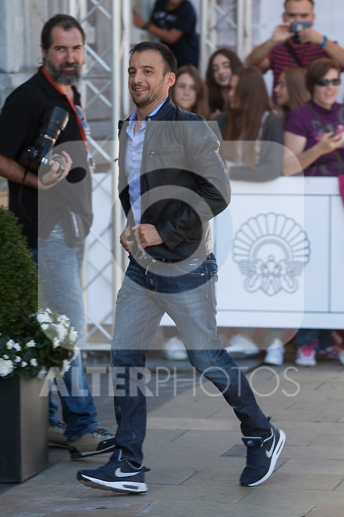 Alejandro Amenabar arrives to Maria Cristina hotel during 63rd Donostia Zinemaldia (San Sebastian International Film Festival) in San Sebastian, Spain. September XX, 2015. (ALTERPHOTOS/Victor Blanco)