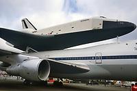 - Parigi, 27 maggio 1983, la navetta spaziale Enterprise raggiunge il 35° Salone dell'Aeronautica e dello Spazio di Le Bourget montata sul dorso di un Boeing 747 appositamente modificato<br /> <br /> - Paris, May 27, 1983, the space shuttle Enterprise reaches the 35th Le Bourget Aeronautics and Space Show mounted on the top of a specially modified Boeing 747.