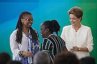 BRASILIA, DF, 19.11.2015 - DILMA-NEGROS-  A presidente Dilma Roussef e a ministra das Mulheres, Igualdade Racial e Direitos Humanos, Nilma Lino Gomes,  durante a cerimônia comemorativa do Dia Nacional da Consciência Negra, no Palácio do Planalto, nesta quinta-feira, 19.(Foto:Ed Ferreira / Brazil Photo Press/Folhapress)