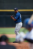 Lakeland Flying Tigers relief pitcher Wladimir Pinto (40) gets ready to deliver a pitch during a game against the Dunedin Blue Jays on May 27, 2018 at Dunedin Stadium in Dunedin, Florida.  Lakeland defeated Dunedin 2-1.  (Mike Janes/Four Seam Images)
