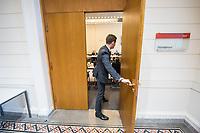 """Der """"Untersuchungsausschuss Terroranschlag Breitscheidplatz"""" des Deutschen Bundestag tagte am Donnerstag den 15. Maerz 2018 auf Einladung des """"Untersuchungsausschuss Terroranschlag Breitscheidplatz"""" des Berliner Abgeordnetenhaus im Abgeordnetenhaus. Das Treffen der Parlamentarier diente einem Meinungs- und Informationsaustausch.<br /> Beide Untersuchungsausschuesse wollen versuchen die Hintergruende des Terroranschlages des islamistischen Terroristen Anis Amri auf den Berliner Weihnachtsmarkt am 19. Dezember 2016 aufzuklaeren. Bei dem Anschlag wurden 12 Menschen durch Amri ermordet.<br /> 15.3.2018, Berlin<br /> Copyright: Christian-Ditsch.de<br /> [Inhaltsveraendernde Manipulation des Fotos nur nach ausdruecklicher Genehmigung des Fotografen. Vereinbarungen ueber Abtretung von Persoenlichkeitsrechten/Model Release der abgebildeten Person/Personen liegen nicht vor. NO MODEL RELEASE! Nur fuer Redaktionelle Zwecke. Don't publish without copyright Christian-Ditsch.de, Veroeffentlichung nur mit Fotografennennung, sowie gegen Honorar, MwSt. und Beleg. Konto: I N G - D i B a, IBAN DE58500105175400192269, BIC INGDDEFFXXX, Kontakt: post@christian-ditsch.de<br /> Bei der Bearbeitung der Dateiinformationen darf die Urheberkennzeichnung in den EXIF- und  IPTC-Daten nicht entfernt werden, diese sind in digitalen Medien nach §95c UrhG rechtlich geschuetzt. Der Urhebervermerk wird gemaess §13 UrhG verlangt.]"""