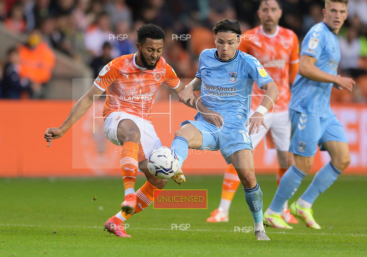 17/08/2021 Sky Bet Championship Blackpool v Coventry  <br /> <br /> Callum O'Hare challenges Grant Ward
