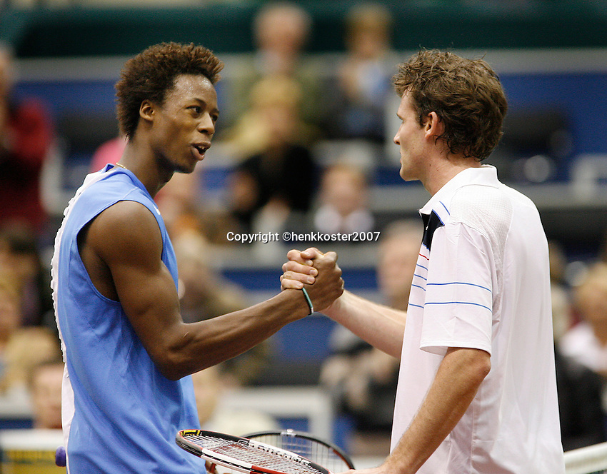 21-2-07,Tennis,Netherlands,Rotterdam,ABNAMROWTT,Gael Monfils congratulates Dennis van Scheppingen with his victory
