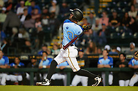Bradenton Marauders Nick Franklin (35) bats during a Florida State League game against the Jupiter Hammerheads on April 20, 2019 at LECOM Park in Bradenton, Florida.  Bradenton defeated Jupiter 3-2.  (Mike Janes/Four Seam Images)