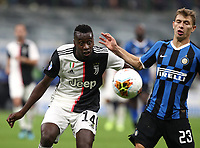 Calcio, Serie A: Inter Milano - Juventus, Giuseppe Meazza stadium, October 6 2019.<br /> Juventus' Blaise Matuidi (l) in action with Inter's Nicolò Barella (r) during the Italian Serie A football match between Inter and Juventus at Giuseppe Meazza (San Siro) stadium, October 6, 2019.<br /> UPDATE IMAGES PRESS/Isabella Bonotto