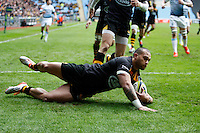 Photo: Richard Lane/Richard Lane Photography. Wasps v Cardiff Blues. LV= Cup. 01/02/2015. Wasps' Will Helu touches down for a try.
