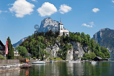 Austria, Upper Austria, Salzkammergut, Traunkirchen at Lake Traun: with Johannesberg chapel and Traunstein mountain (1.691 m)