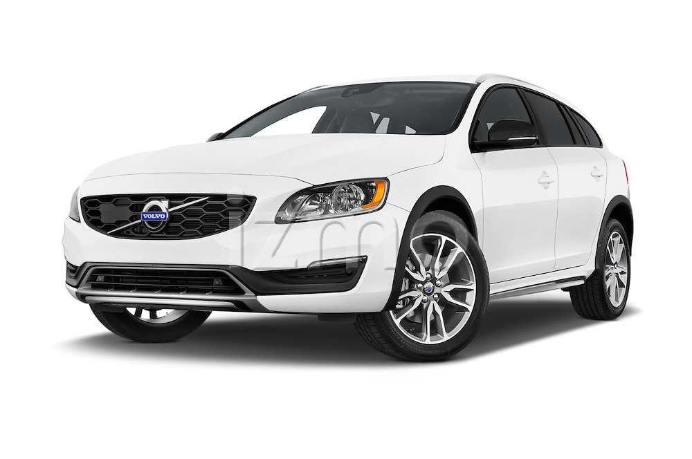 Stock pictures of low aggressive front three quarter view of 2018 Volvo V60 T5-Cross-Country 5 Door Wagon Low Aggressive