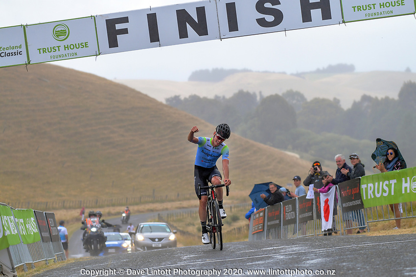 Rylee Field (Australia /Team BridgeLane) win stage four of the NZ Cycle Classic UCI Oceania Tour (Te Wharau-Admiral Hill Queen Stage) in Wairarapa, New Zealand on Saturday, 18 January 2020. Photo: Dave Lintott / lintottphoto.co.nz