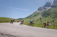 Richie Porte (AUS/BMC) followed by Jakob Fuglsang (DEN/Astana) descending the Col de la Colombière<br /> <br /> 69th Critérium du Dauphiné 2017<br /> Stage 8: Albertville > Plateau de Solaison (115km)