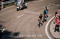 Adam Yates (GBR/Mitchelton-Scott) & co catching the race leaders in the final kilometers up the final climb of the day (in Spain!): the Col du Portillon (Cat1/1292m)<br /> <br /> Stage 16: Carcassonne > Bagnères-de-Luchon (218km)<br /> <br /> 105th Tour de France 2018<br /> ©kramon