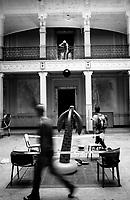 """Milano, un collettivo di """"Lavoratori dell'Arte e dello Spettacolo"""" occupa un edificio inutilizzato facente parte dell'ex macello per dare vita a un nuovo centro per le arti e la cultura chiamato MACAO. Il giorno dell'occupazione --- Milan, a collective of """"Arts and Entertainment Workers"""" occupy an unused building part of the former slaughterhouse, in order to create a new centre for arts and culture called MACAO. The day of the squatting"""