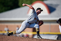 West Virginia Black Bears relief pitcher Logan Stoelke (32) delivers a pitch during a game against the Batavia Muckdogs on July 1, 2018 at Dwyer Stadium in Batavia, New York.  Batavia defeated West Virginia 8-4.  (Mike Janes/Four Seam Images)