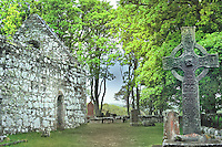SC - INNER HEBRIDES - Island of ISLAY<br /> Medieval Kidalton Chapel and the famous Kidalton Cross dating from 8th century<br /> <br /> Full size: 69,3 MB