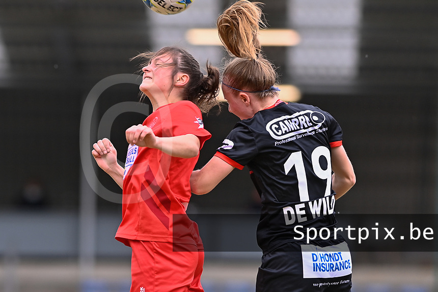 Kenza Vrithof (9) of Woluwe and Lotte De Wilde (19) of Zulte-Waregem  pictured during a female soccer game between FC Femina White Star Woluwe and SV Zulte Waregem on the fifth matchday of play off 2 in the 2020 - 2021 season of Belgian Scooore Womens Super League , Saturday 8 th of May 2021  in Woluwe , Belgium . PHOTO SPORTPIX.BE | SPP | DAVID CATRY