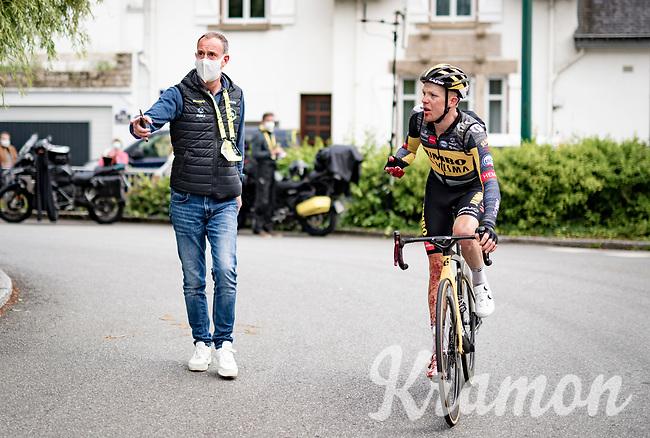 crash victim Steven Kruijswijk (NED/Jumbo-Visma) rolling in after the finish line<br /> <br /> Stage 3 from Lorient to Pontivy (183km)<br /> 108th Tour de France 2021 (2.UWT)<br /> <br /> ©kramon