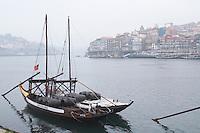 barco rabelo shipping boat av. diogo leite vila nova de gaia porto porto portugal