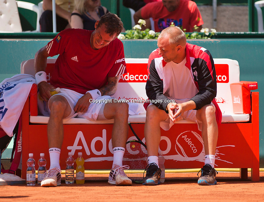 Austria, Kitzbühel, Juli 18, 2015, Tennis,  Davis Cup, second match between Andreas Haider-Maurer (AUT) and Robin Haase (NED), pictured : Andreas Haider-Maurer on the bank with captan Stefan Koubek<br /> Photo: Tennisimages/Henk Koster