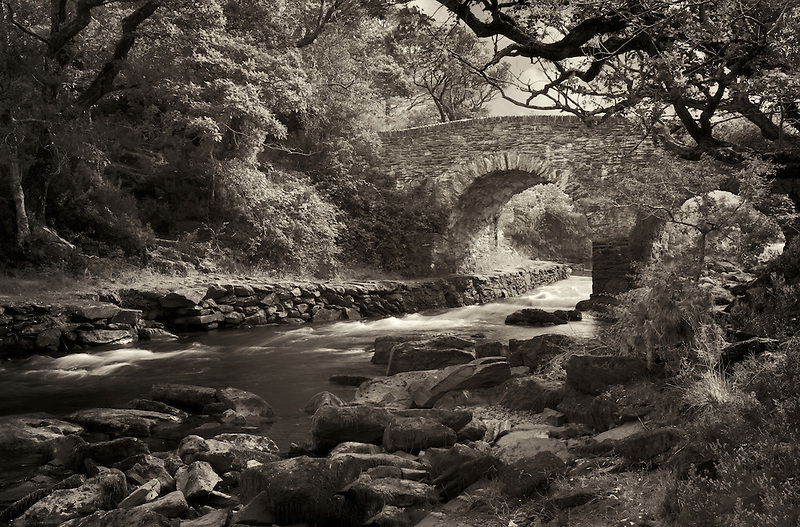Old weir bridge. Kilanrney Lakes, Gap of Dunloe. Killarney National Park, Ireland