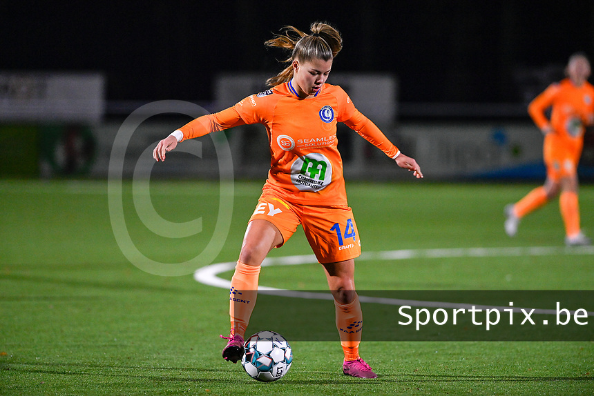 Lyndsey Van Belle (14) of AA Gent pictured during a female soccer game between  Racing Genk Ladies and AA Gent Ladies on the eleventh matchday of the 2020 - 2021 season of Belgian Scooore Womens Super League , friday 22 th of January 2021  in Genk , Belgium . PHOTO SPORTPIX.BE | SPP | DAVID CATRY