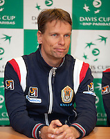 08-02-12, Netherlands,Tennis, Den Bosch, Daviscup Netherlands-Finland, Training, Jan Siemerink