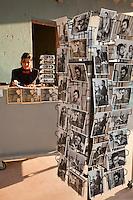 Cuba, Pinar del Rio Region, Viñales (Vinales).  Postcards of Che Guevara.