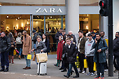 Zara. End of year sales, Oxford Street, London.