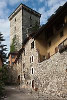 Europe/France/Rhône-Alpes/74/Haute-Savoie/Annecy: Le Château depuis l'Impasse du Trippoz