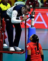 BOGOTÁ-COLOMBIA, 08-01-2020: Karla Ortiz, Capitana de Perú dialoga con el árbitro, durante partido entre Perú y Colombia en el Preolímpico Suramericano de Voleibol, clasificatorio a los Juegos Olímpicos Tokio 2020, jugado en el Coliseo del Salitre en la ciudad de Bogotá del 7 al 9 de enero de 2020. / Karla Ortiz, Captain from Peru speaks with the referee, during a match between Peru and Colombia, in the South American Volleyball Pre-Olympic Championship, qualifier for the Tokyo 2020 Olympic Games, played in the Colosseum El Salitre in Bogota city, from January 7 to 9, 2020. Photo: VizzorImage / Luis Ramírez / Staff.