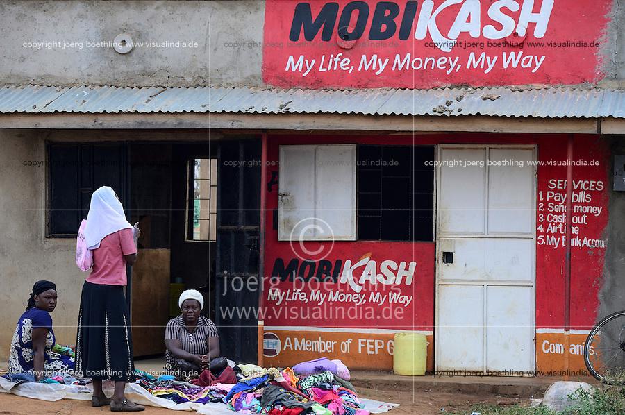 KENYA, County Siaya, village Kotanega, pay by mobile phone, ad Mobicash / KENIA, County Siaya, Dorf Kotanega, bezahlen per Mobiltelefon, MOBICASH, Altkleider Verkauf