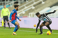 2nd February 2021; St James Park, Newcastle, Tyne and Wear, England; English Premier League Football, Newcastle United versus Crystal Palace; Allan Saint-Maximin of Newcastle United under pressure from Andros Townsend of Crystal Palace