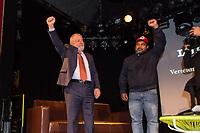 """Der ehemalige Praesident Brasiliens, Luiz Inacio Lula da Silva sprach am Dienstag den 10. Maerz 2020 in Berlin auf einer Veranstaltung der Friedrich Ebert Stiftung und der Gewerkschaft IG Metall vor ca. 600 Menschen. <br /> Sein Thema war """"Verteidigung der Demokratie in Brasilien"""".<br /> Im Bild vlnr.: Lula da Silva und João Paulo Rodrigues von der Landlosenbewegung Movimento dos Trabalhadores Rurais Sem-Terra (MST).<br /> 10.3.2020, Berlin<br /> Copyright: Christian-Ditsch.de<br /> [NUR FUER REDAKTIONELLE ZWECKE! Werbung nur auf Anfrage beim Fotografen. Inhaltsveraendernde Manipulation des Fotos nur nach ausdruecklicher Genehmigung des Fotografen. Vereinbarungen ueber Abtretung von Persoenlichkeitsrechten/Model Release der abgebildeten Person/Personen liegen nicht vor. NO MODEL RELEASE! Don't publish without copyright Christian-Ditsch.de, Veroeffentlichung nur mit Fotografennennung, sowie gegen Honorar, MwSt. und Beleg. Konto: I N G - D i B a, IBAN DE58500105175400192269, BIC INGDDEFFXXX, Kontakt: post@christian-ditsch.de<br /> Bei der Bearbeitung der Dateiinformationen darf die Urheberkennzeichnung in den EXIF- und  IPTC-Daten nicht entfernt werden, diese sind in digitalen Medien nach §95c UrhG rechtlich geschuetzt. Der Urhebervermerk wird gemaess §13 UrhG verlangt.]"""