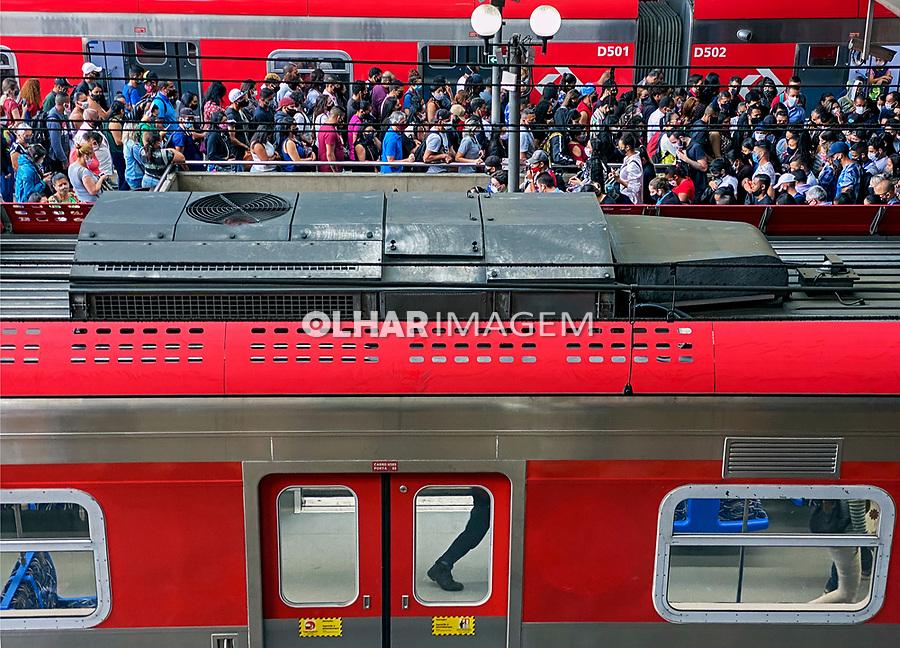 Transporte ferroviário. Estação da Luz. São Paulo. 2020 Foto de Juca Martins.
