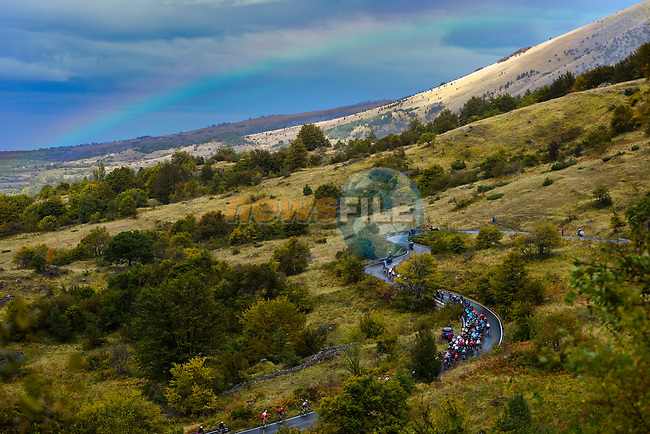 The peloton during Stage 9 of the 103rd edition of the Giro d'Italia 2020 running 208km from San Salvo to Roccaraso (Aremogna), Sicily, Italy. 11th October 2020.  <br /> Picture: LaPresse/Fabio Ferrari | Cyclefile<br /> <br /> All photos usage must carry mandatory copyright credit (© Cyclefile | LaPresse/Fabio Ferrari)