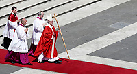 Pope Francis leads the Palm Sunday Mass in Saint Peter's Square at the Vatican, April 9, 2017. <br /> UPDATE IMAGES PRESS/Isabella Bonotto<br /> STRICTLY ONLY FOR EDITORIAL USE