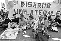 - Genova, manifestazione pacifista contro la Mostra Navale (fiera delle armi navali, Giugno 1986)<br /> <br /> - Genoa, pacifist demonstration against the Mostra Navale (naval weapons fair, June 1986)