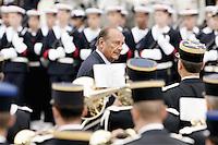 JACQUES CHIRAC. Ceremonie officielle du 60 eme anniversaire de la liberation de Paris sur le parvis de l'hotel de ville . #