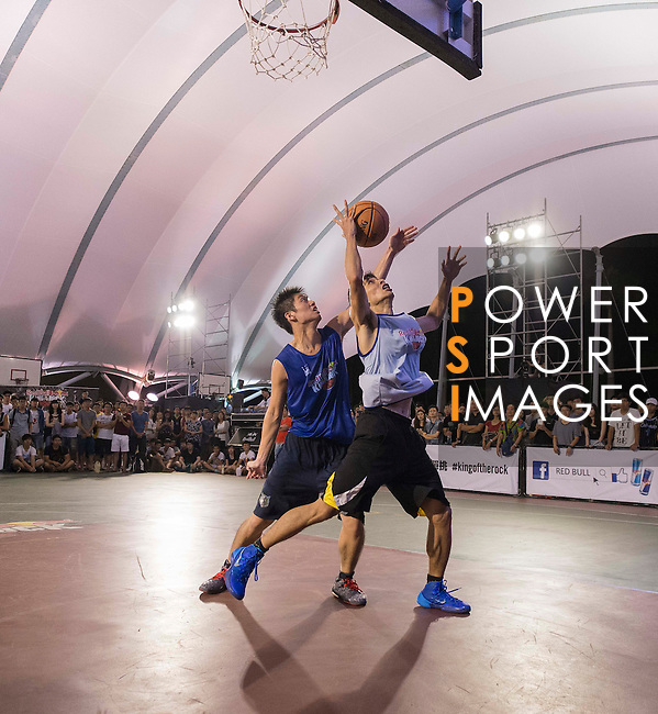 Huang and Tsai in action during the final match of Red Bull King of the Rock Taiwan National Finals on July 18, 2015 at the Kaohsiung University basketball court in Kaohsiung, south Taiwan. Photo by Victor Fraile / Power Sport Images