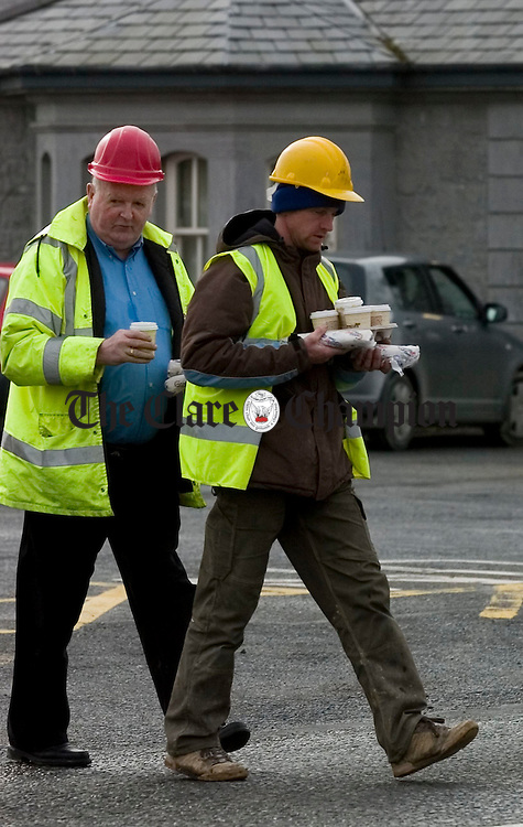 Clare plasterers union protest Cois na hAbhann