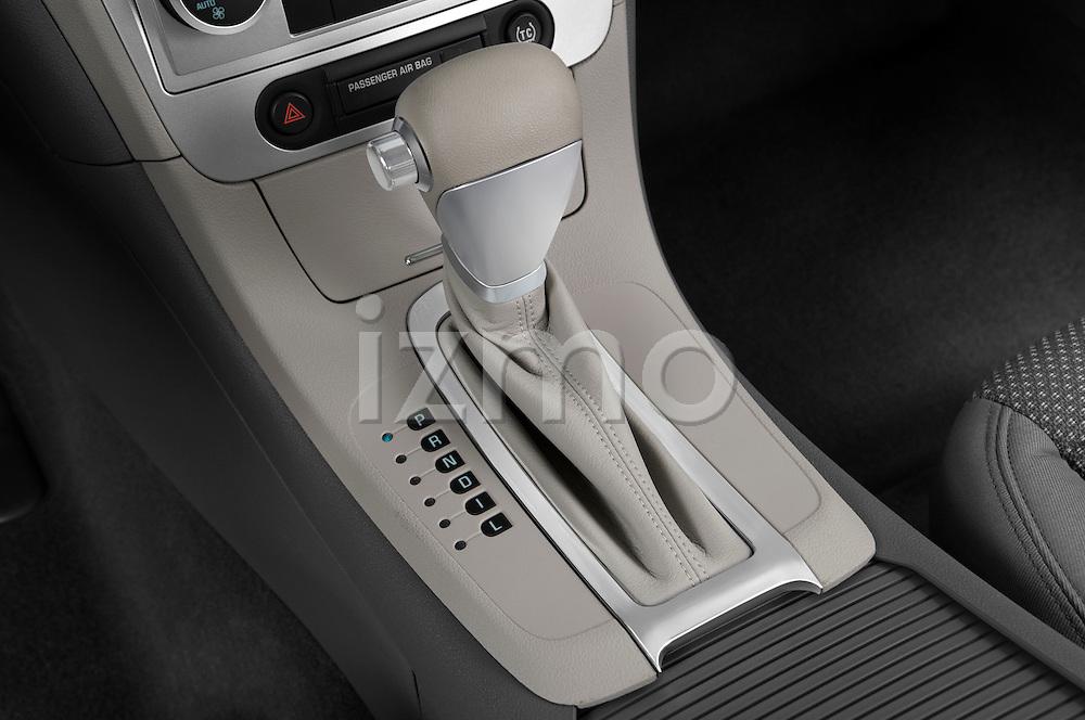 Gear shift detail view of a 2009 Chevrolet Malibu Hybrid