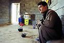 Irak 2002.La ligne de front, région de Bistana: la cuisine de la base.Iraq 2002.The front ligne near Bistana: Kitchen in a fort