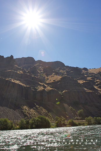 Afternoon sun on the Deschutes River.